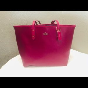 Coach Leather City Tote/bear Charm